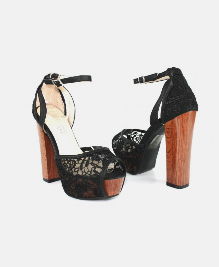 Naturalizer Believe Pump